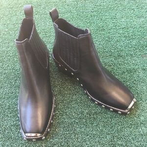Topshop Shoes - NWT Topshop Alana Stud Low Ankle Bootie Black 6.5